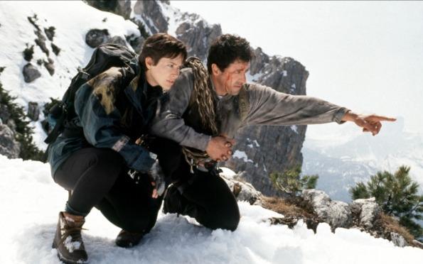 cliffhanger-1993-04-g